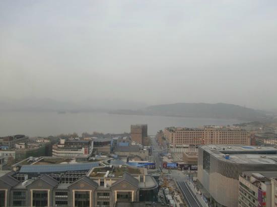 Friendship Hotel Hangzhou: レストランから西湖が一望できる。