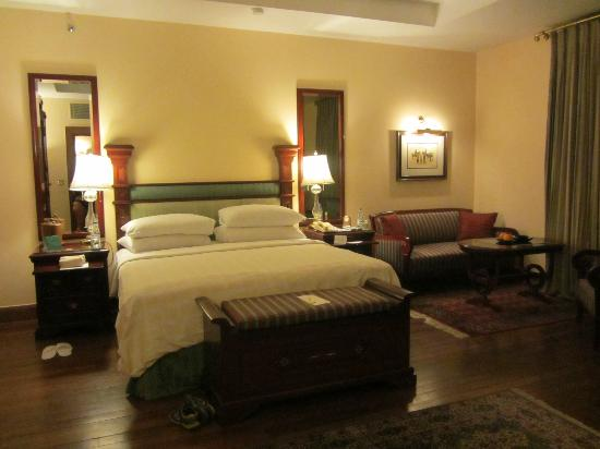The Oberoi Cecil, Shimla: A standard bedroom