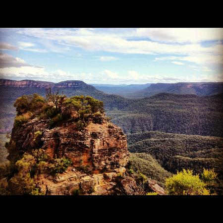 Broomelea Bed & Breakfast: Katoomba - the next town over from Leura