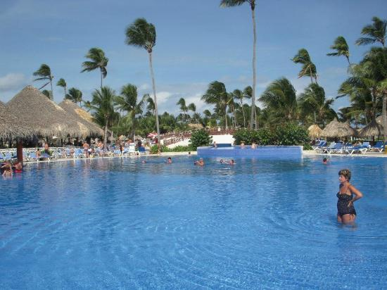 Grand Bahia Principe Punta Cana: Main pool