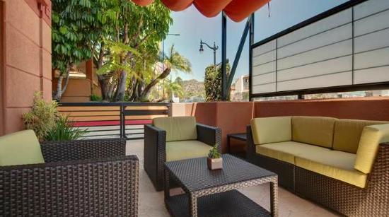Hilton Garden Inn Los AngelesHollywood 193 305 UPDATED