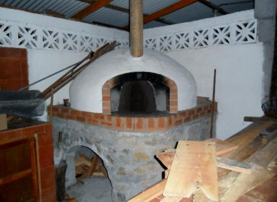 Il Pianista: Wood Fired Pizza Oven