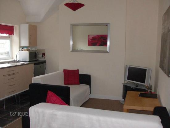 Aparthotel Blackpool: Apartment Lounge