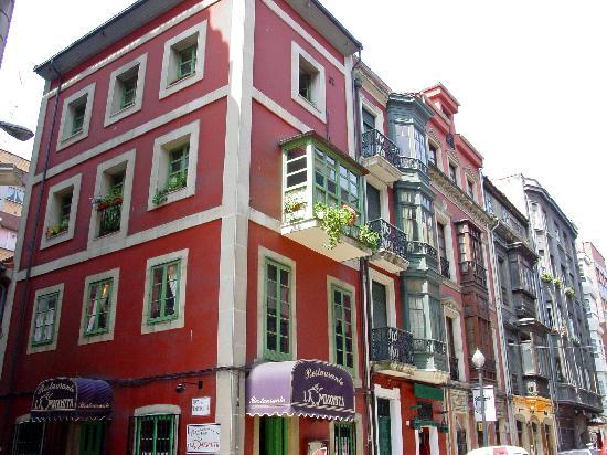Edificio Restaurante La Marmita