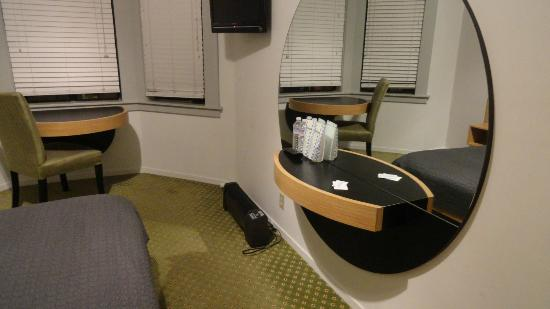 Touchstone Hotel - City Center: Double room