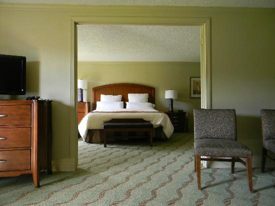 Resort and Conference Center at Hyannis: King comfortable bed