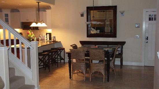 The Villas at Poipu Kai: G 120 Dining Area