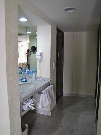 Holiday Inn Express Centro Historico Oaxaca: Vanity area