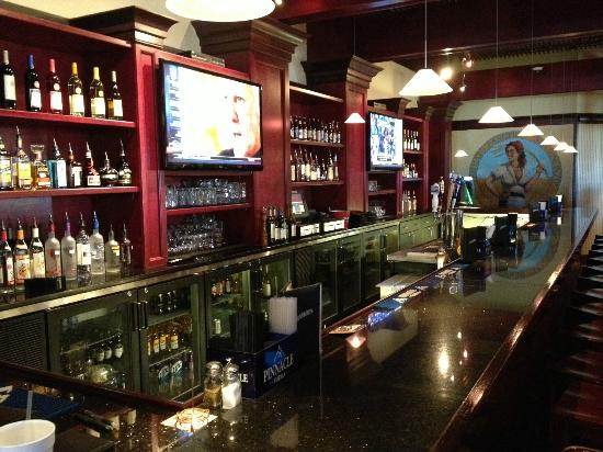 Raleigh, NC: Full Service Bar