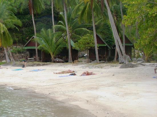 Sai Nuan Beach: бунгало Sai Thong Resort