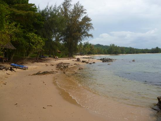 Mango Bay Resort: clean empty beaches