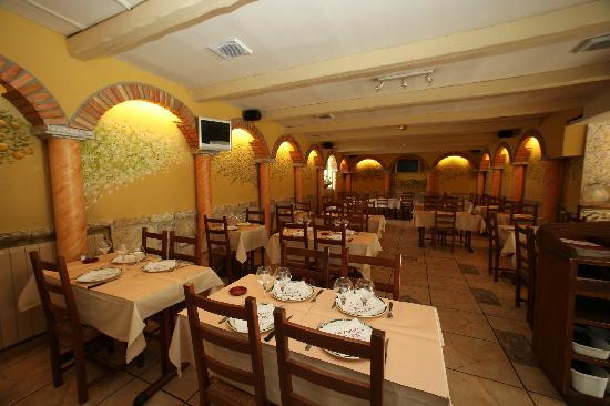 Superior Le Patio: Aperçu De La Salle Du Restaurant