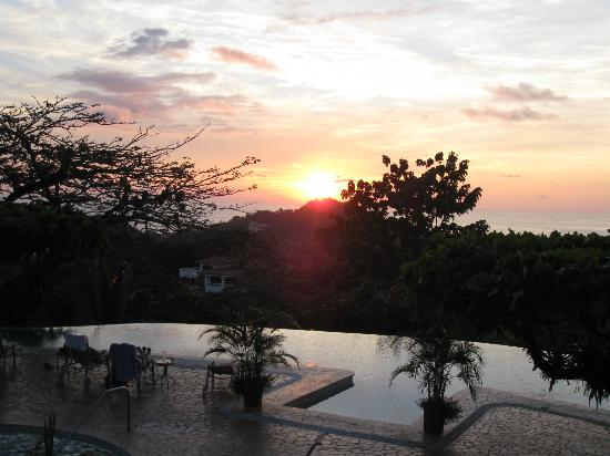 La Mariposa Hotel: sunset from the bar