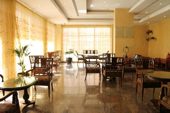 Savoy Central Hotel Apartments: hotel lobby