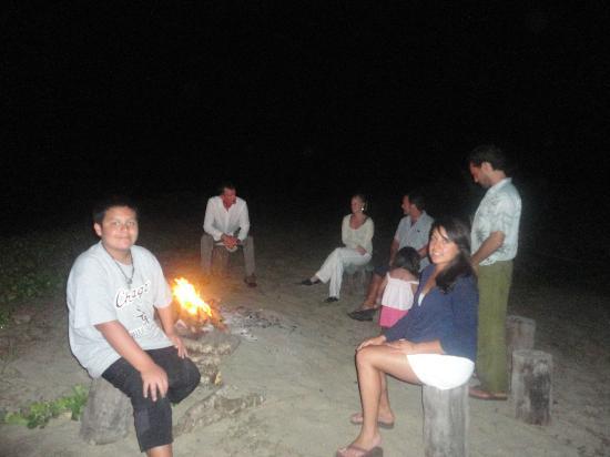 Playa Viva: Que cierre !!! una fogata nocturna en la ultima noche !!