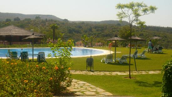 Parque Botanico Resort: View on the pool