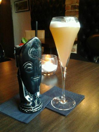 The Kenilworth Hotel: Two very different Kenilworth cocktails