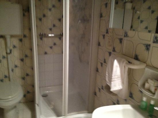 Hotel Miramare : bagno piccolo