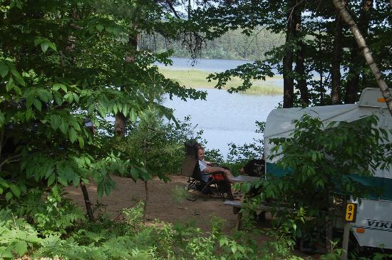 Chocorua Camping Village: Waterfront Water and Electric Site