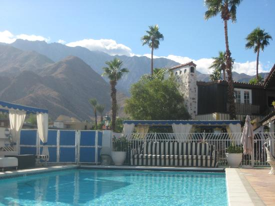 Mediterraneo Resort : View of Mountains From Pool