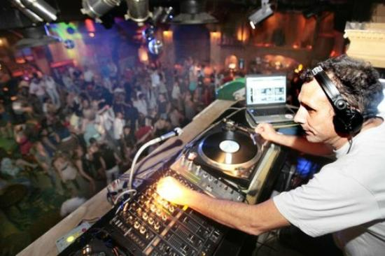 Juan-les-Pins, France : Best DJ