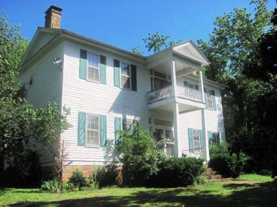 Canehill, AR: also known as Hapstead Inn (479) 824-2841