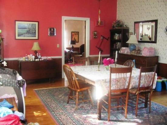 Canehill, AR: Dining room