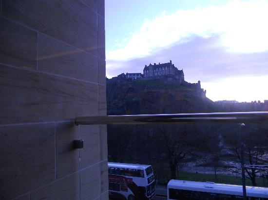 Premier Inn Edinburgh City Centre (Princes Street) Hotel: taken from lounge