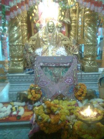 Mandir Mata Lal Devi: jai mata ji