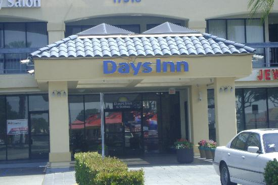 Photo of Days Inn & Suites Artesia