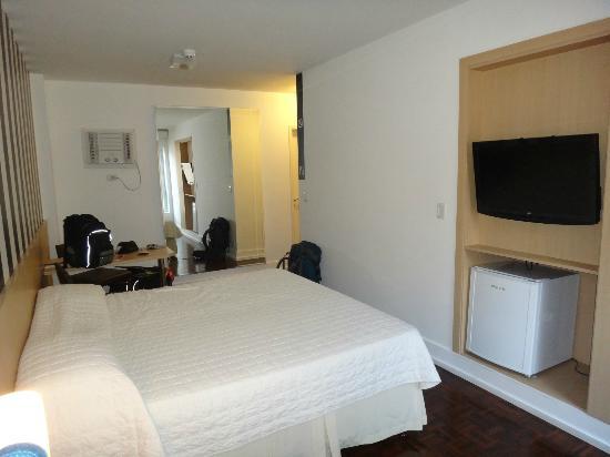155 Hotel: Flatscreen TV, minifridge