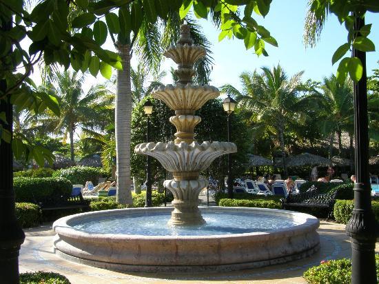 ClubHotel Riu Bachata: Fountain
