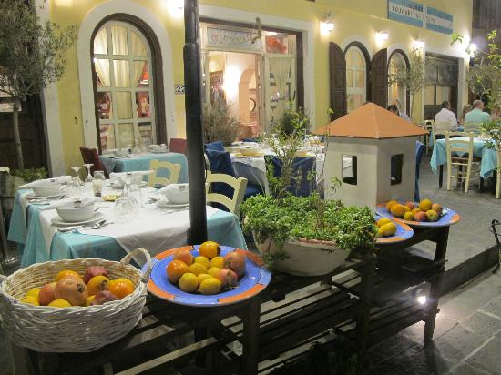 Hotel Mediterranean: dining in Rhodos City