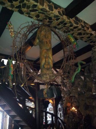 Hunter Prince Castle & Dracula Hotel: Decoración del comedor