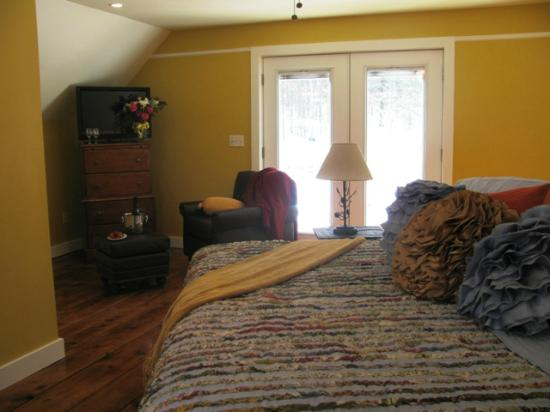 Bartlett Inn: Pinkham Barn Suite with origianl wide pine board floors