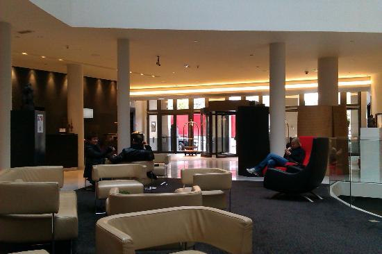 Sofitel Brussels Europe: Lobby