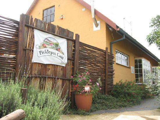 Picklepot Cafe: Entrance