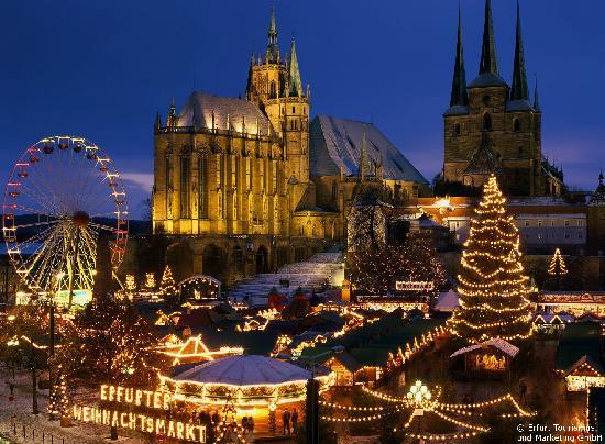 Deutschland: Erfurt: Christmas market, cathedral and Church of St. Severus