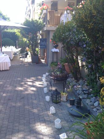 Restaurant zum Zähringer: Garten Eingang