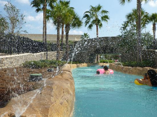 Hilton Orlando Bonnet Creek: Water Fountains as your go around the lazy river