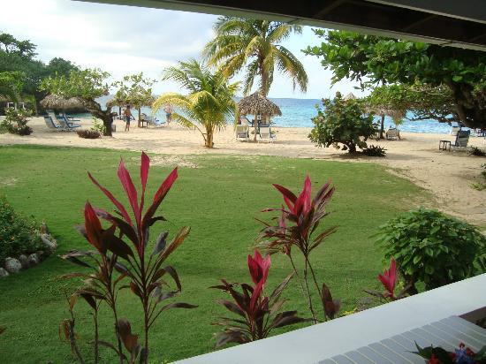 Jamaica Inn: A room with a view! 