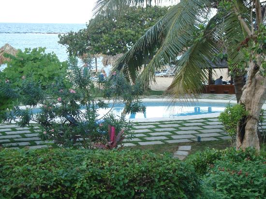 Jamaica Inn: Pool - Did not get in 
