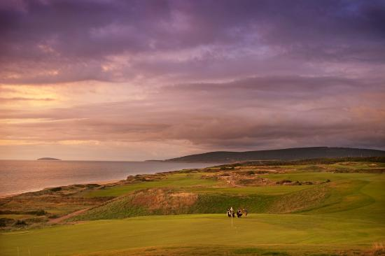 Cabot Links Resort: An evening lesson at the second hole