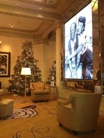 Hotel deLuxe: Lobby