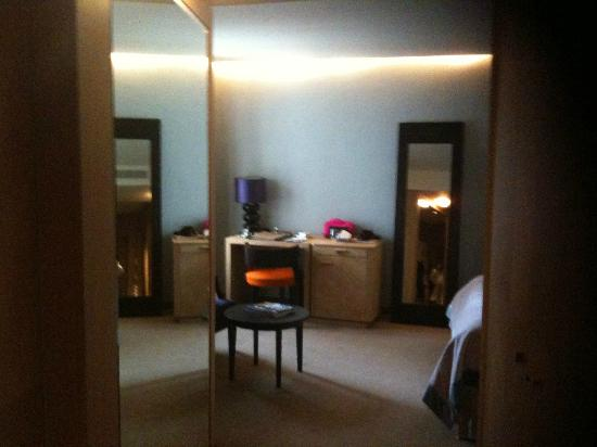 Dome Hotel & SPA - Relais & Chateaux: Scrivania