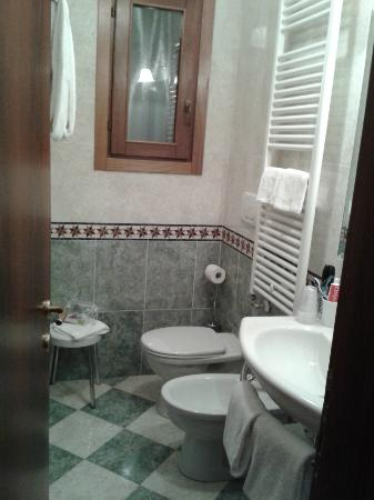 Hotel Al Ponte Mocenigo: Baño
