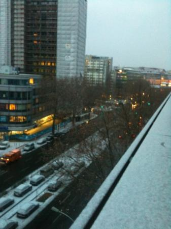 Ivbergs Premium: snowy 6th floor view