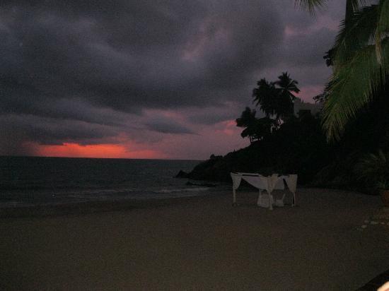Hyatt Ziva Puerto Vallarta: sunset photo while eating at Oceana