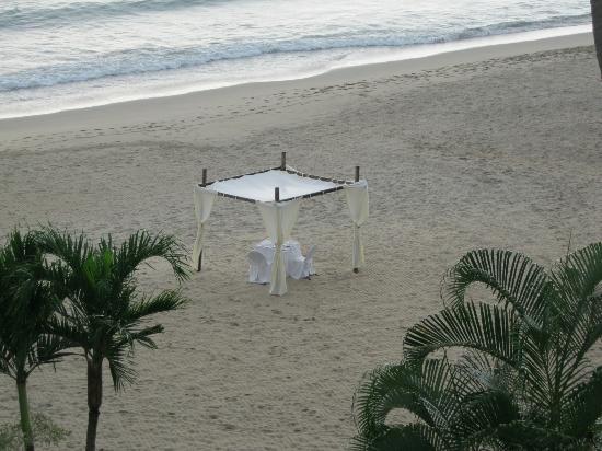 Hyatt Ziva Puerto Vallarta: private dinner on the beach