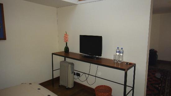 Second Home Cusco: Tv y agua disponible cada dia